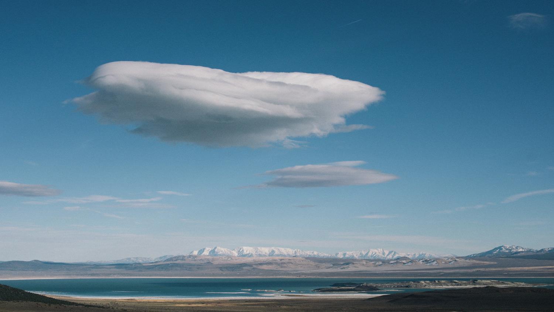 cloud and lake in yosemite park