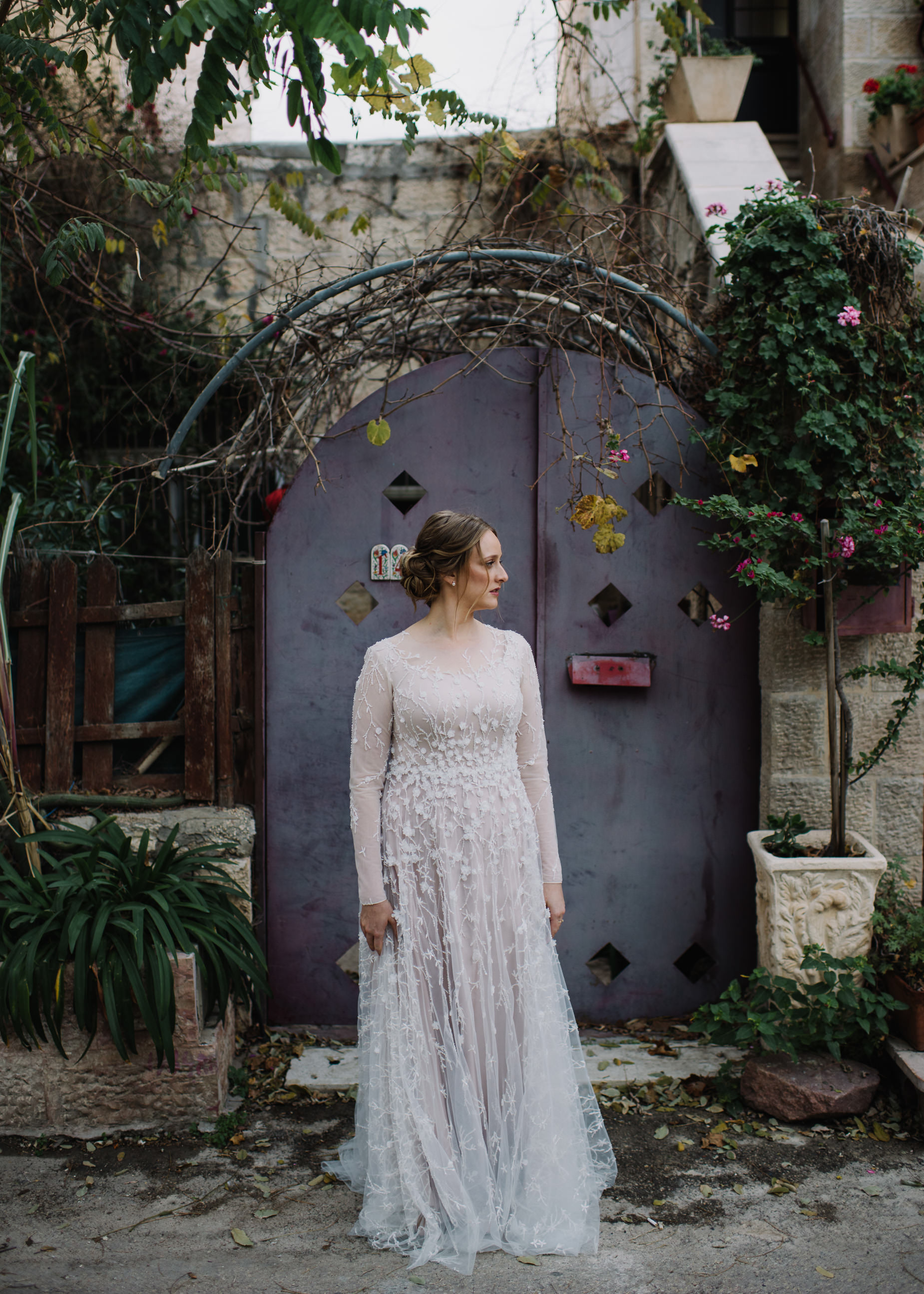 Jewish Bride in Jerusalem alley way
