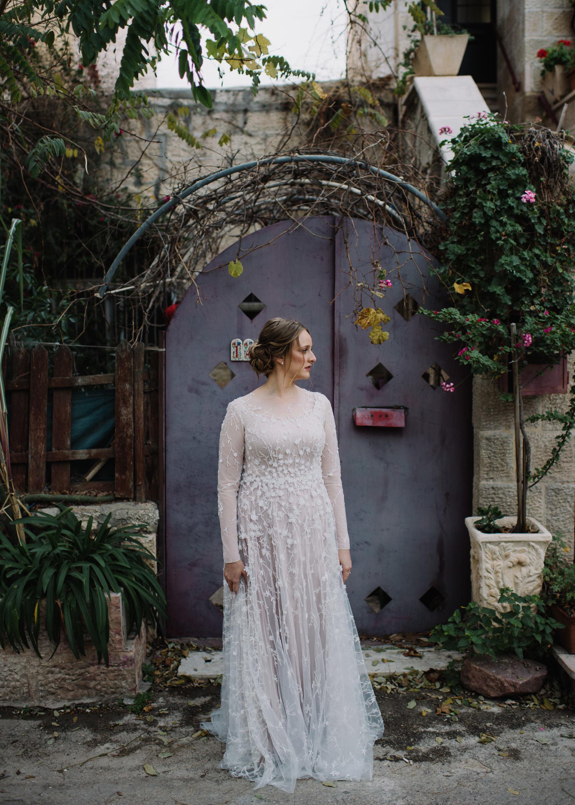 Jewish Bride in Jerusalem alley way